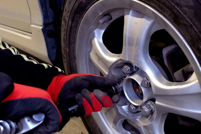 タイヤ専門店のバイトイメージ