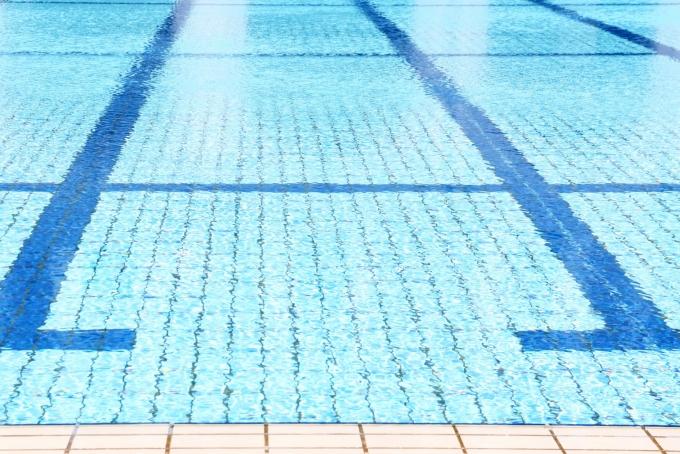 プール監視員のバイトイメージ
