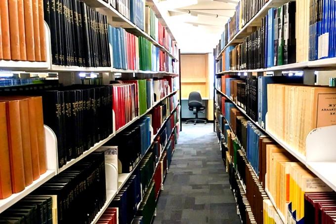 図書館のバイトイメージ