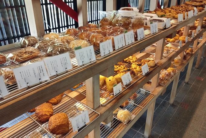 本当はどう?パン屋のバイトで太る理由と対処法のイメージ