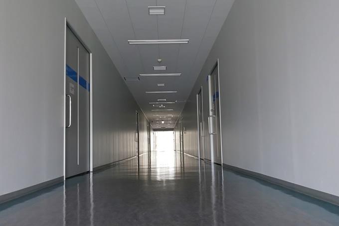 施設の通路